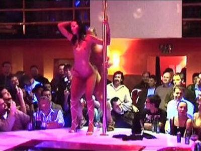 Porn on stage stripper fucked   -extreme-wild-