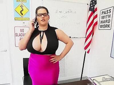 Teacher sara jay fuck pupil gia in class | -high school-teacher-