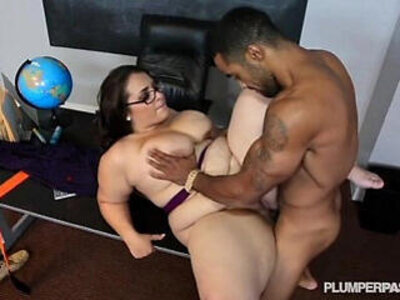 Plump School Teacher Fucked By Her Hung Student | -old and young-plump-school-students-teacher-