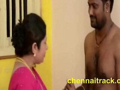 Tamil Aunty Seducing Servant   -aunty-tamil-