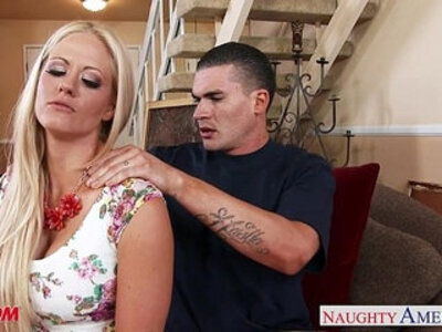 Very sexy mom holly heart gets big tits and fucked | -big tits-sexy-stepmom-titjob-