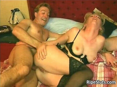 Slutty mature gets pussy   -brunette-granny-pussy-slutty-wet-