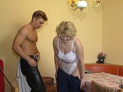 Juliareaves xfree geile schachteln scene | -older-