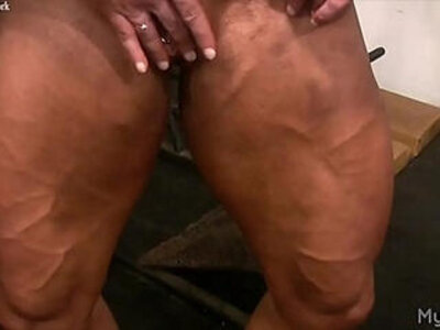 Female Bodybuilder Lisa Cross Plays with her Fucking Big Clit | -clit-female-woman-