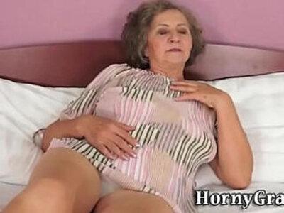 Grandmas mouth cummed in   -cum in mouth-mouth-