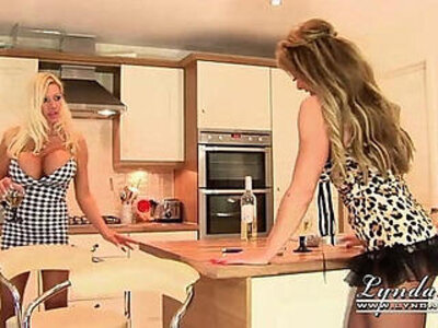 Lynda leigh meets big boobed girl from next door michelle thorne | -girl-smoking-