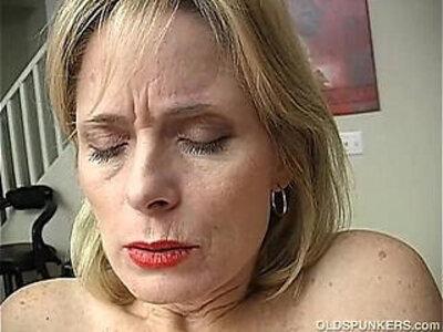 Mature amateur has an orgasm | -amateur-mature-orgasm-pussy-