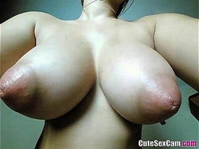 Brunnete Big Natural saggy Tits CamGirl | -camgirl-natural-tits-webcam-