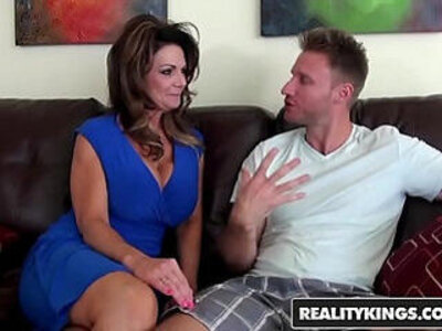 Realitykings milf hunter deauxma levi cash vacation cooch | -cash-hunter-
