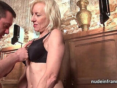Sexy amateur mature deep analized with cum mouth in a bar   -amateur-cum-cum in mouth-french-mouth-sexy-