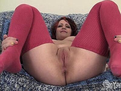 Chubby Hannah Vibrating Her Pussy | -chubby-closeup-pussy-